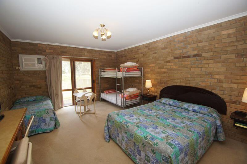Family Room with Bunks Magdala Stawell Motel Accommodation